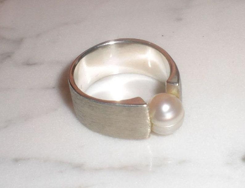Pearl ring made of 925  silver