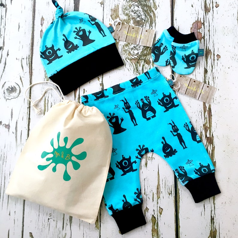 4d7599372 READY to SHIP Newborn gift set baby leggings knotted hat