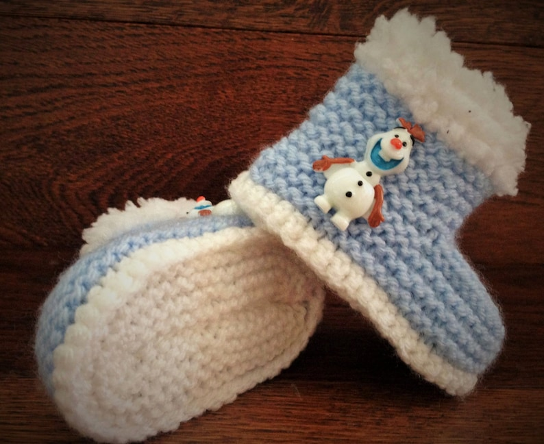 917e8b9939630 Hand Knitted Baby Booties/Boots/Slippers/Shoes Frozen Olaf Blue Soft Tops  0-12M UK Seller