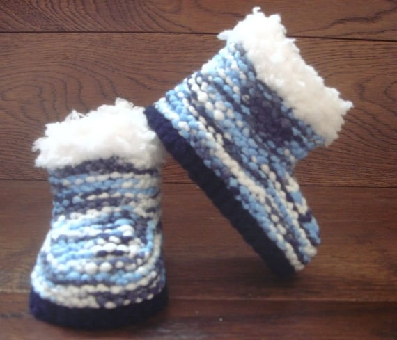 5b3618e70d400 Hand Knitted Baby Booties/Boots/Slippers/Shoes Chunky Blues & Whites Soft  Tops 0-12M UK Seller