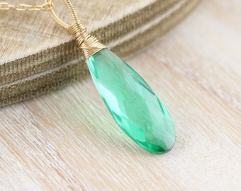Emerald Green Quartz & 18Kt Gold Filled Pendant. Wire Wrapped Necklace Charm. Large Statement Pendant for Woman. Artisan Jewelry Handmade