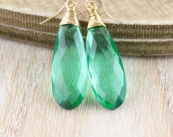 Emerald Green Quartz & 18Kt Gold Filled Earrings. Large Gemstone Drop Earrings. Long Dangle Earrings. Wire Wrapped Boho Jewelry for Women