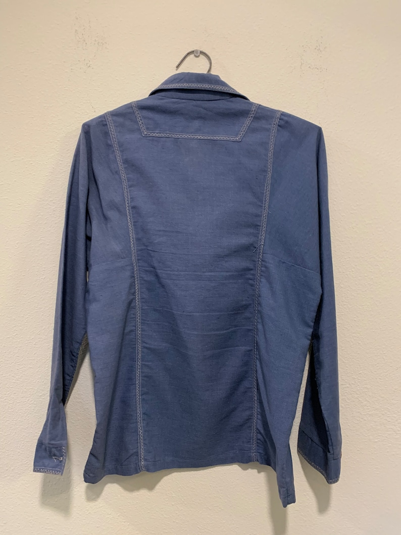 Early 1970/'s Vintage  Woman/'s Shirt ~ Blue Hippie California Shirt With Fancy Stitching Wood Buttons ~ Great Quality /& Condition