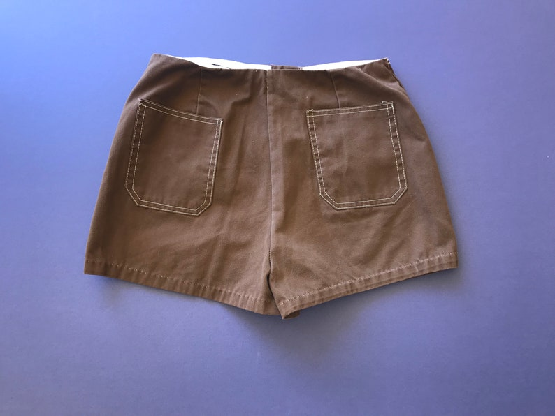 1970s Vintage Short Shorts Made In Hong Kong ~ Very Good Condition Brown Buttons Up High Waist Pockets In Front And Back