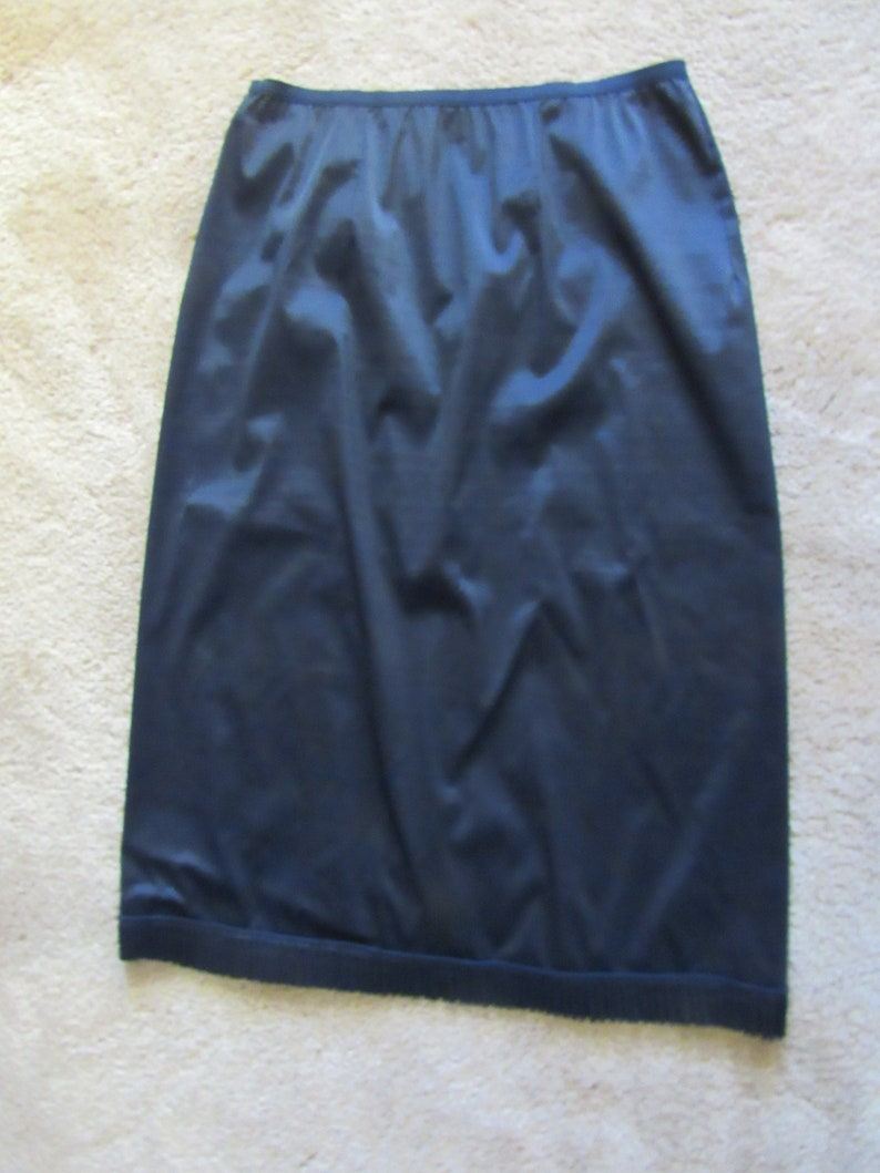 Vintage Black Vanity Fair Half Slip Nylon Tricot Sz 6