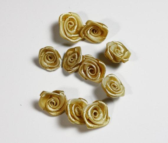 Mode accessoires or Miniatures anciennes, métier de Miniature de Roses, fleurs de Satin mariage Bouquet Miniature