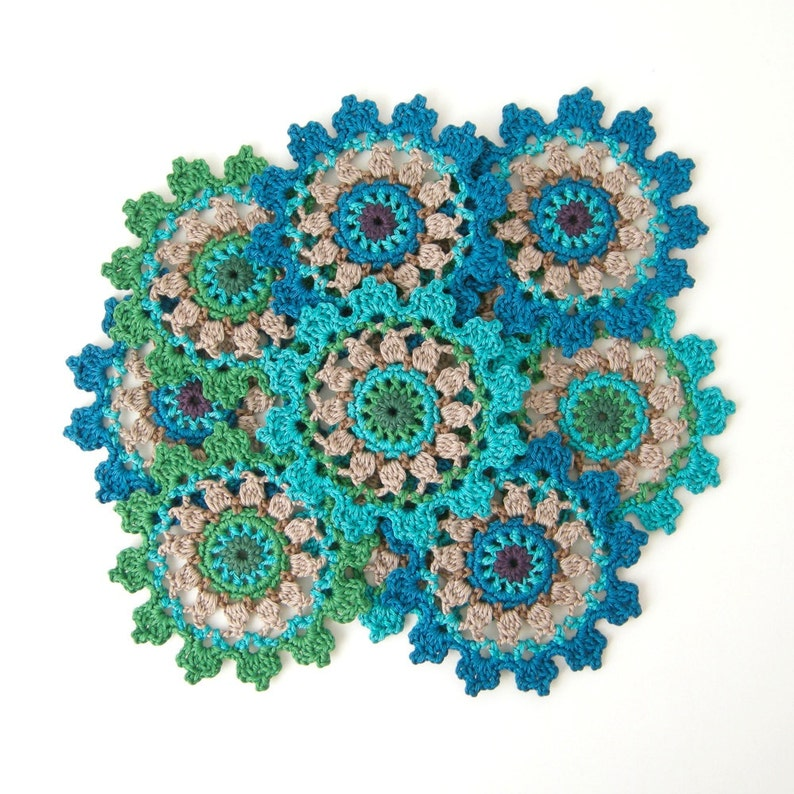 Crochet PATTERN Crown Coaster or Doily Motif. Clear photo image 0
