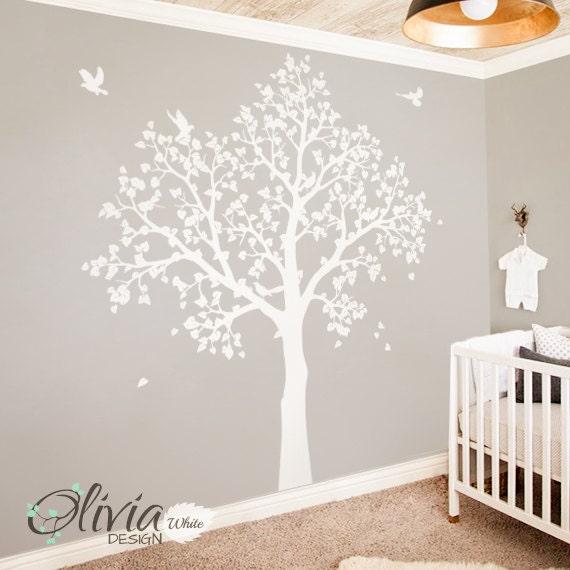 Weißer Baum Wandbild. Große Baby-Kinderzimmer-Aufkleber. Baum mit  Vögeln-NT043