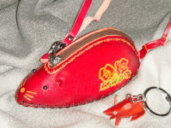 Leather Wristlet Coin//change Purse,Jewelry Holder,Puppy Golden Retriever shape