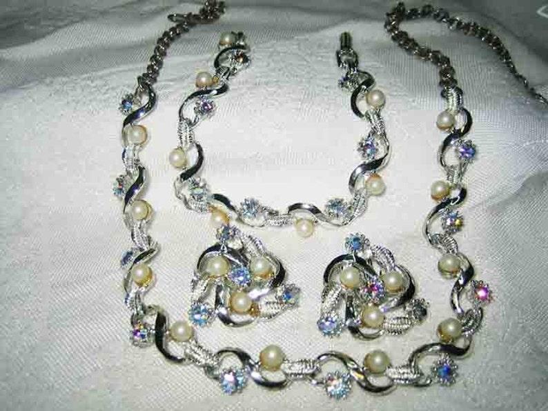 Vintage Blue AB Rhinestone Necklace Bracelet /& Earrings