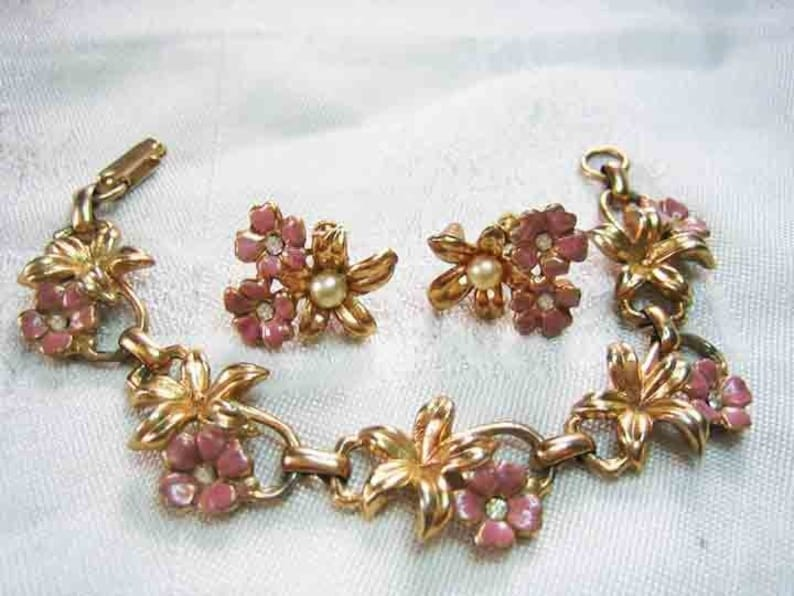 Vintage 50s Rhinestone Enamel Flower Bracelet /& Earrings