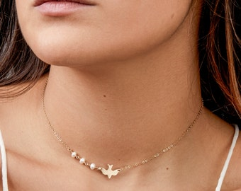 Simple Gold Pearl Choker, Bridesmaid Jewelry, Dove Choker Necklace, Bird Necklace, Delicate Layering Necklace