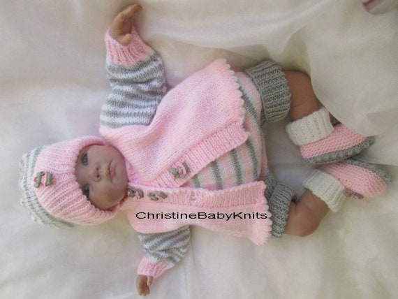 6dc29ab7c635 Audrey tenue magnifique tricoté à la main pour les 0-3 mois   Etsy