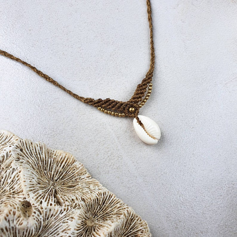 Boho cowrie shell choker adjustable macrame necklace with sea shell and brass beads
