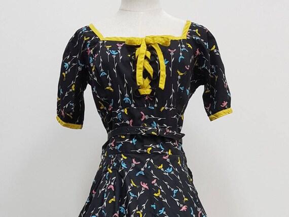 Vintage 1950s Birds & Flowers Novelty Dress
