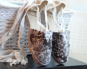 COLORFUL ESPADRILLE FLATS - Toile de Jouy Collection - made in Spain - ecologic, sustainable, vegan