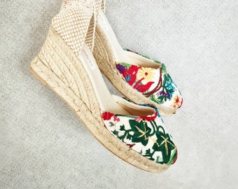 ESPADRILLES WEDGES - Lace up espadrille wedges - FlOrAl EMBROIDERY - Handmade in Spain