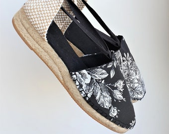 Lace-up espadrille mini wedges - TOILE de JOUY COLLECTION - made in spain - www.mumicospain.com