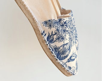 Flat Espadrilles With Printed Front - TOILE DE JOUY - made in spain - www.mumicospain.com