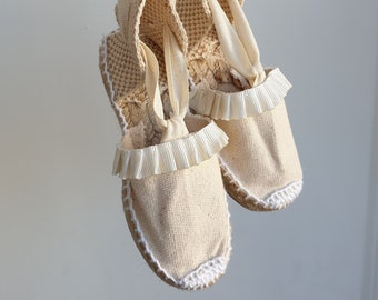 Flat shoes for girl: Lace-up Espadrilles - IVORY SATIN TRIM - made in Spain - www.mumicospain.com