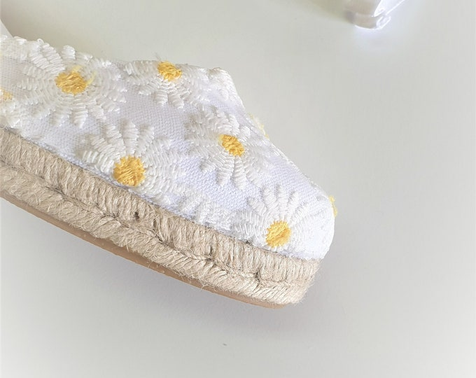ESPADRILLES WEDGES - Lace up espadrille wedges - DAYSIES - Handmade in Spain