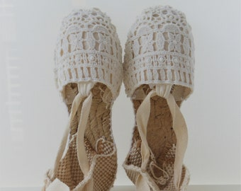 FLAT shoes for girl: Lace-up Espadrilles - IVORY LACE - made in Spain - www.mumicospain.com