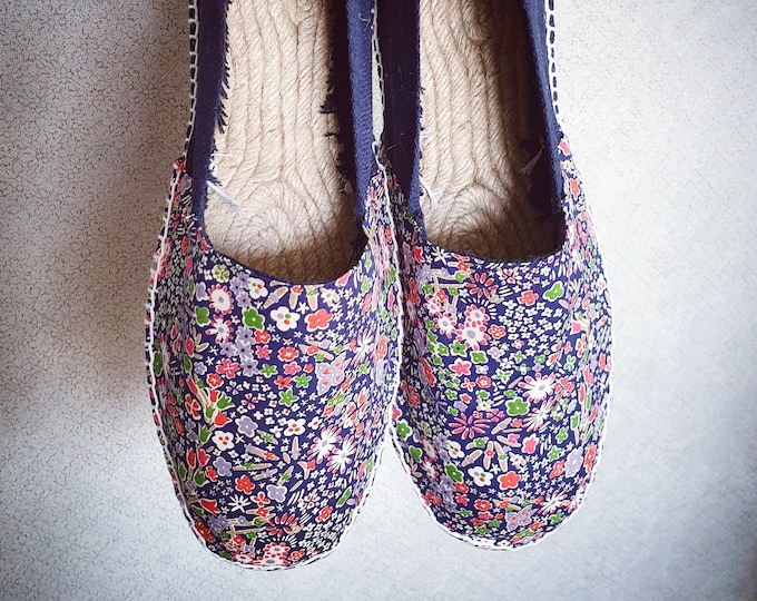 UNISEX ESPADRILLE FLATS - original Liberty of London Tana Lawn - Lace up - made in Spain - ecologic, sustainable, vegan