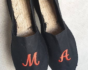Traditional Unisex Spanish Flat Espadrilles - BLACK + INITIALS - Made in Spain - www.mumicospain.com