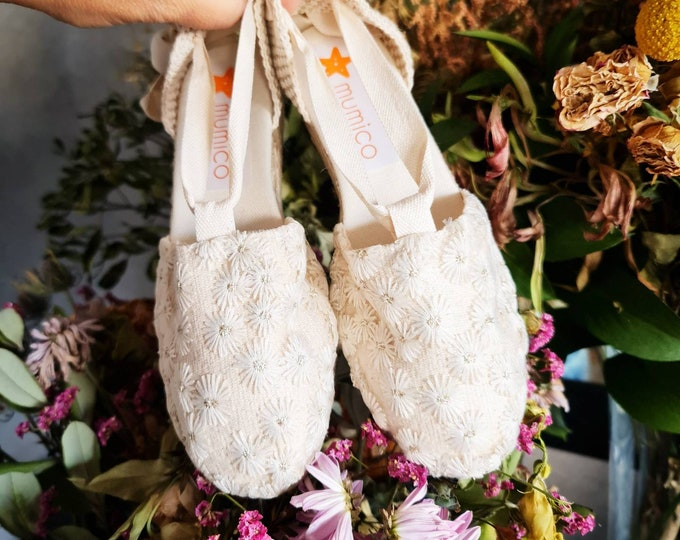 MINIWEDGES for girl: Lace-up espadrille Mini Wedges - BORDADO FLORES - made In Spain - www.mumicospain.com