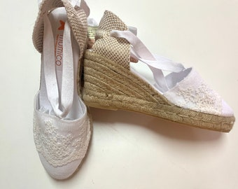 Lace-up espadrille SIZE eu 39 - VINTAGE LACE - made in spain - www.mumicospain.com