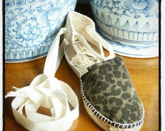 Lace-up Flat Espadrilles - SAFARI&CAMO COLLECTION - Made In Spain - www.mumicospain.com