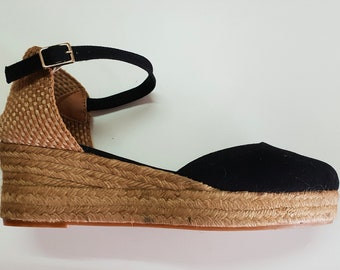 Ankle strap espadrille low wedges with platform - BLACK LOW WEDGES - made in Spain - www.mumicospain.com