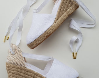 Lace-up espadrille wedges - BRIDES collection - OFFWHITE LACE 2 - made in spain - www.mumicospain.com