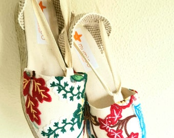 Lace-up espadrille 7cm wedges - EMBROIDERY COLLECTION - made in spain - www.mumicospain.com