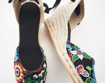 Lace-up ESPADRILLE WEDGES - EMBROIDERY Collection - made in Spain - www.mumicospain.com