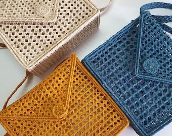 BAGS CLEARANCE: COLOMBIAN shoulder palm basket bag  - vegan, ecologic, handmande