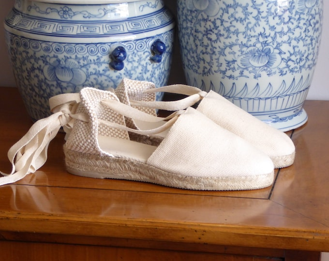 Espadrilles for girls: lace-up mini wedges - IVORY  - made in spain - www.mumicospain.com