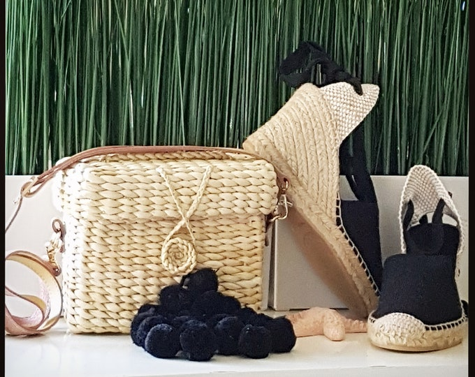 BLACK POMPONS BASKET box - Shoulder bag with vegan leather handle -  18cm x 14cm x 8cm - ecologic, vegan, sustainable - handmade