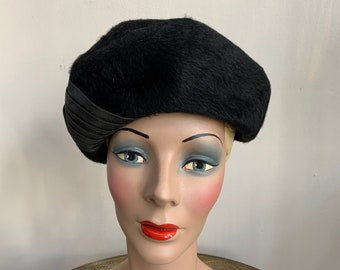 Vintage 1960s Black Fur Felt Hat