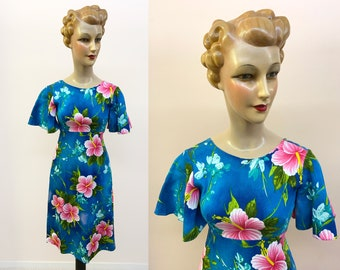 1970s Blue and Pink Hibiscus Hukilau Fashions Dress | Size XS/S