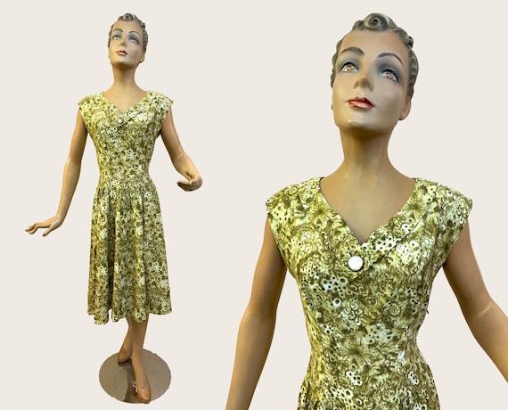 1950s Green Cotton Handmade Swing Dress | Size Med
