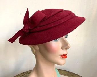 Vintage 1940s Red Felt Hat