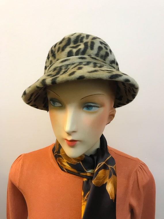 1960s Plush Felt Leopard Cloche Ladies Hat