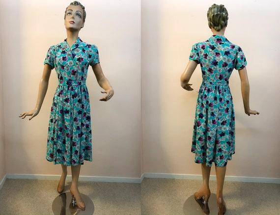 Vintage 1940's Handmade Crepe Rayon Day Dress / Sm