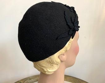Vintage 1930s Felt Beanie Hat