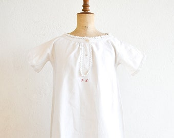 nightdress French vintage long nightgown linen chanvre lace trim round collar short sleeve trapeze medium adult size monogram initials FB