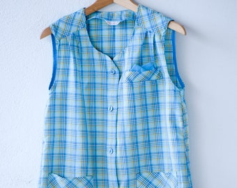french workwear vintage Daxon sleeveless a line dress apron check plaid green blue yellow pocket hankie two pockets made in France 1970s