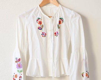bohemian folk embroidery top floral flared sleeve white summer blouse jacket for woman petite small size handmade vintage 70s style fashion
