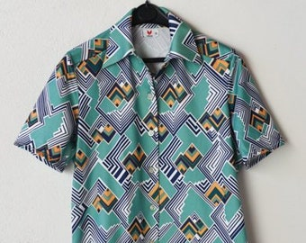 vintage shirt French mod geometric short sleeve summer retro fashion unisex adult top blue green chevron VITOS size 3 Made in France c.1970s
