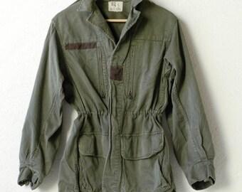jacket khaki green overcoat army surplus french workwear  military fashion WAREIN 92C vintage outerwear jacket blouson coat retro adult 1970